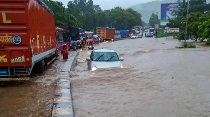 ممبئی میں تباہی مچانے والا بارشوں کا سسٹم کراچی میں بھی برسے گا