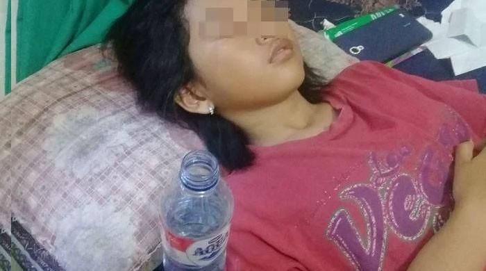 لگاتار 13 روز تک سونے والی انڈونیشین لڑکی