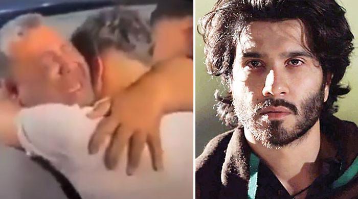 فیروز خان نے اسرائیلی بربریت سے شہید 4 بیٹوں کے والد کی دلخراش ویڈیو شیئر کردی