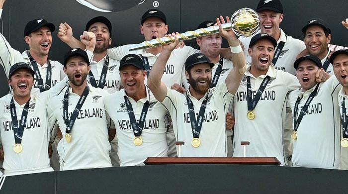 بھارت کو دھول چٹا کر نیوزی لینڈ ٹیسٹ کرکٹ کا چیمپئن بن گیا