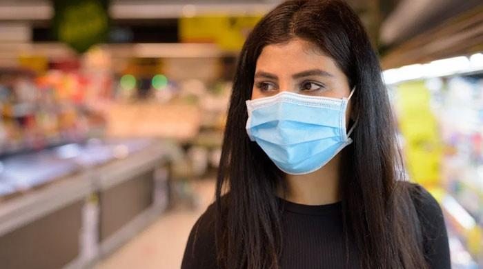 ایک منٹ میں 30 لاکھ ماسک کچرا بن جاتے ہیں، ماحولیاتی ماہرین نے خبردار کردیا
