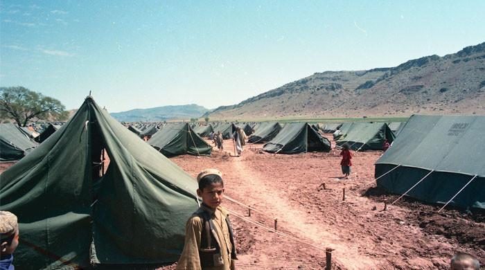 ہر ہفتے کم از کم 30 ہزار افغان بے گھر ہو رہے ہیں، امریکی اخبار کا دعویٰ